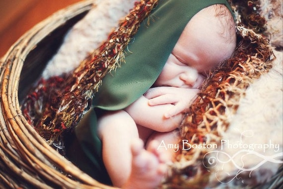 Pine Green Wee Womb Cocoon Photo Prop Egg, Wrap Used In Professional Photography of Newborn, Infant Portrait Sessions