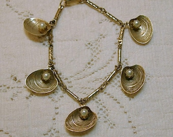 Vintage  Bracelet with Pearls on Shells