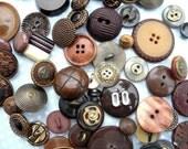 50 Vintage buttons - Cafe Latte mix