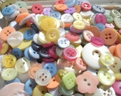 Sale - 100 mixed small Buttons - pretty 'Cottage Chic' - Shabby Chic colours