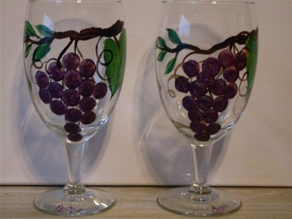 Hand painted wine glasses with grape design by artworkzbycheri for Hand designed wine glasses