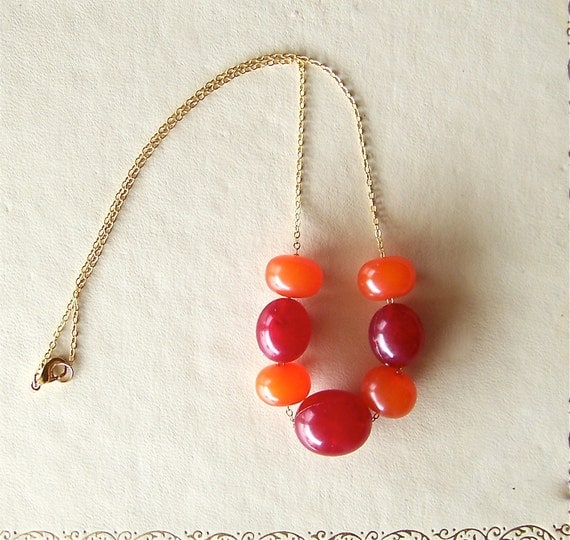 vintage bead necklace, red, orange, fall colors - vintage & recycled jewelry - juicy fruit