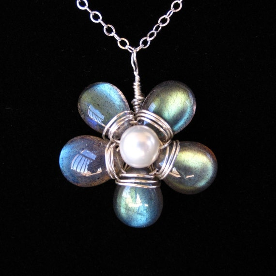 Flashflower Labradorite and Pearl Necklace on Etsy--Luxe Collection by CircesHouse