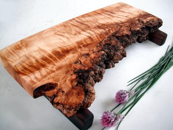 eco live edge super figure natural raised cottonwood serving/cutting board