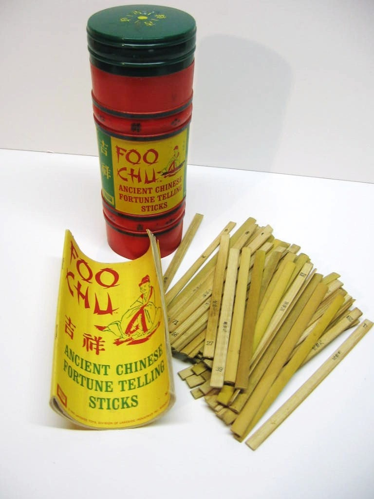 Vintage Chinese Fortune Telling Sticks Foo Chu Fun Game
