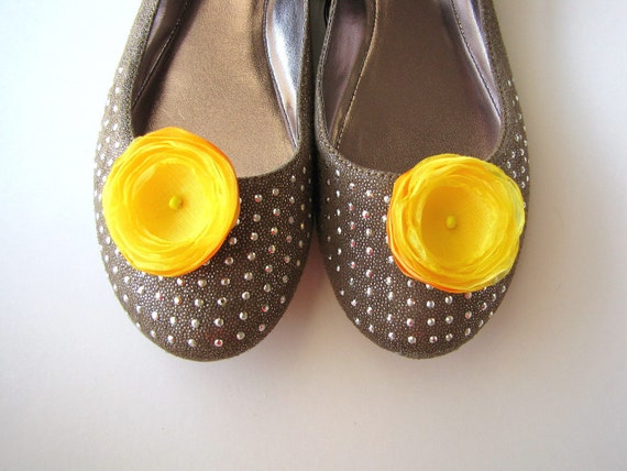 Shoe clips with fabric flowers, organza flowers, fabric flowers, gold yellow embellishments (set of 2 pcs )-  BRIGHT YELLOW BLOSSOMS