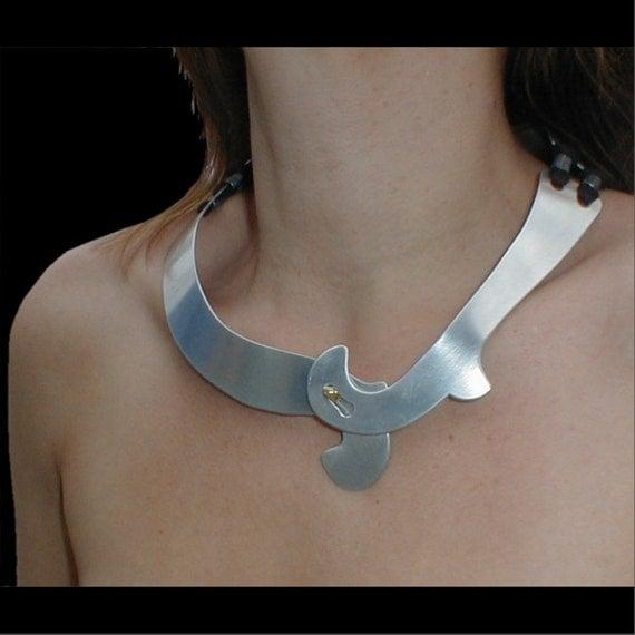 Curl & Clasp Necklace