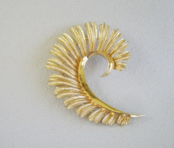 Vintage Coro Feather Brooch Gold Quill Pin