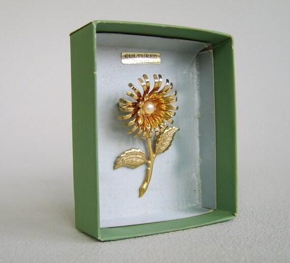 Vintage Cultured Pearl Flower Brooch Original Box Unused