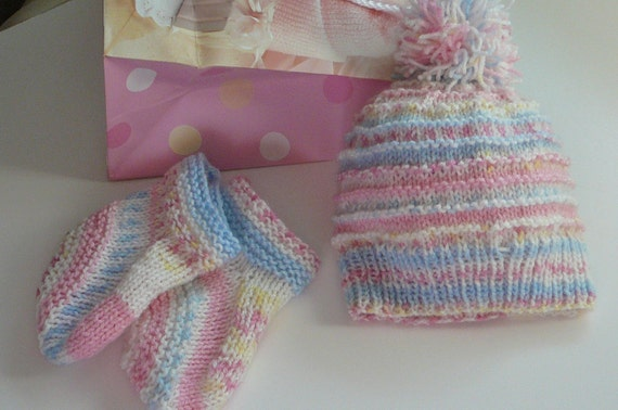 Knit Baby Girl Hat and Booties Set     READY TO SHIP    Size 6 to 12 months
