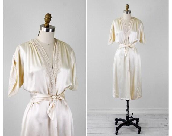 vintage 1940s robe / 40s peignoir / Ivory Satin Robe with Elegant Lace Trim