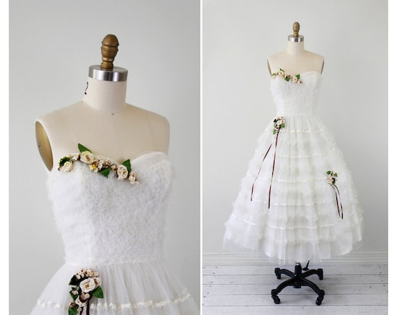 1950s wedding dress / 50s wedding dress / White Fairy Tale Tulle Wedding Dress with Floral Garlands