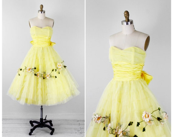 1950s dress / 50s prom dress / Yellow Tulle Cupcake Dress with Daisies and a Big Satin Bow