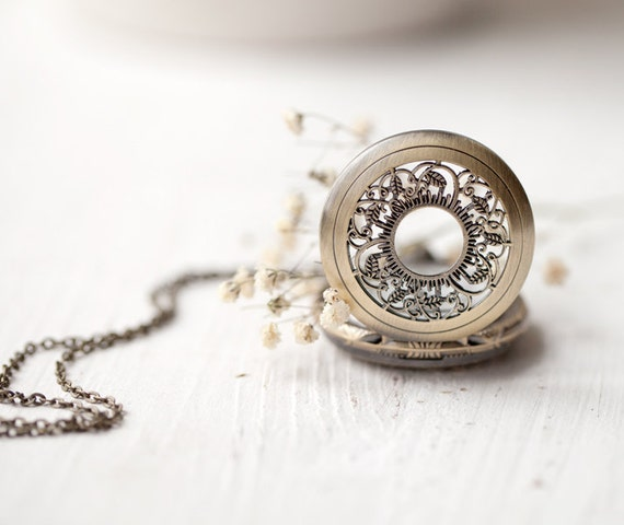 Alice in Wonderland Pocket Watch necklace - Vintage style (PW016)