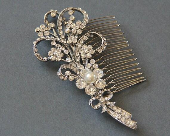 Bridal flower hair comb. Vintage style crystal pearl  wedding comb- Flower