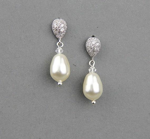 Wedding Earrings Bridal Pearl Earrings Swarovski Crystals Pearl Earrings  Delicate Bridal Bridesmaid Jewelry