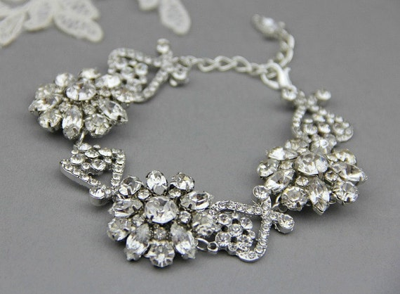 Bridal Wedding Bracelet, Crystal Wedding, Vintage Bridal Wedding Jewelry , Bridal party jewelry, Vintage wedding jewelry - Style 361