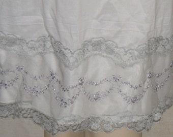 Vintage Van Raalte Embroidered Half Slip Suavette Size 32 Floral Lace Nylon
