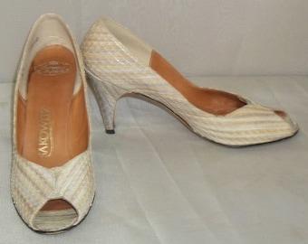 Vintage Sakowitz Shoes Peep Toe Snakeskin Pumps 6N High Heels Reptile Snake Skin
