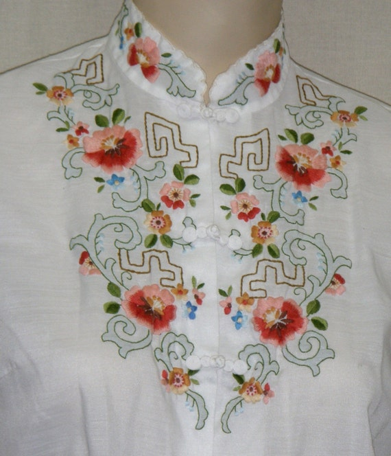 Vintage Hand Embroidered Mandarin Blouse by Lily of China Size 36