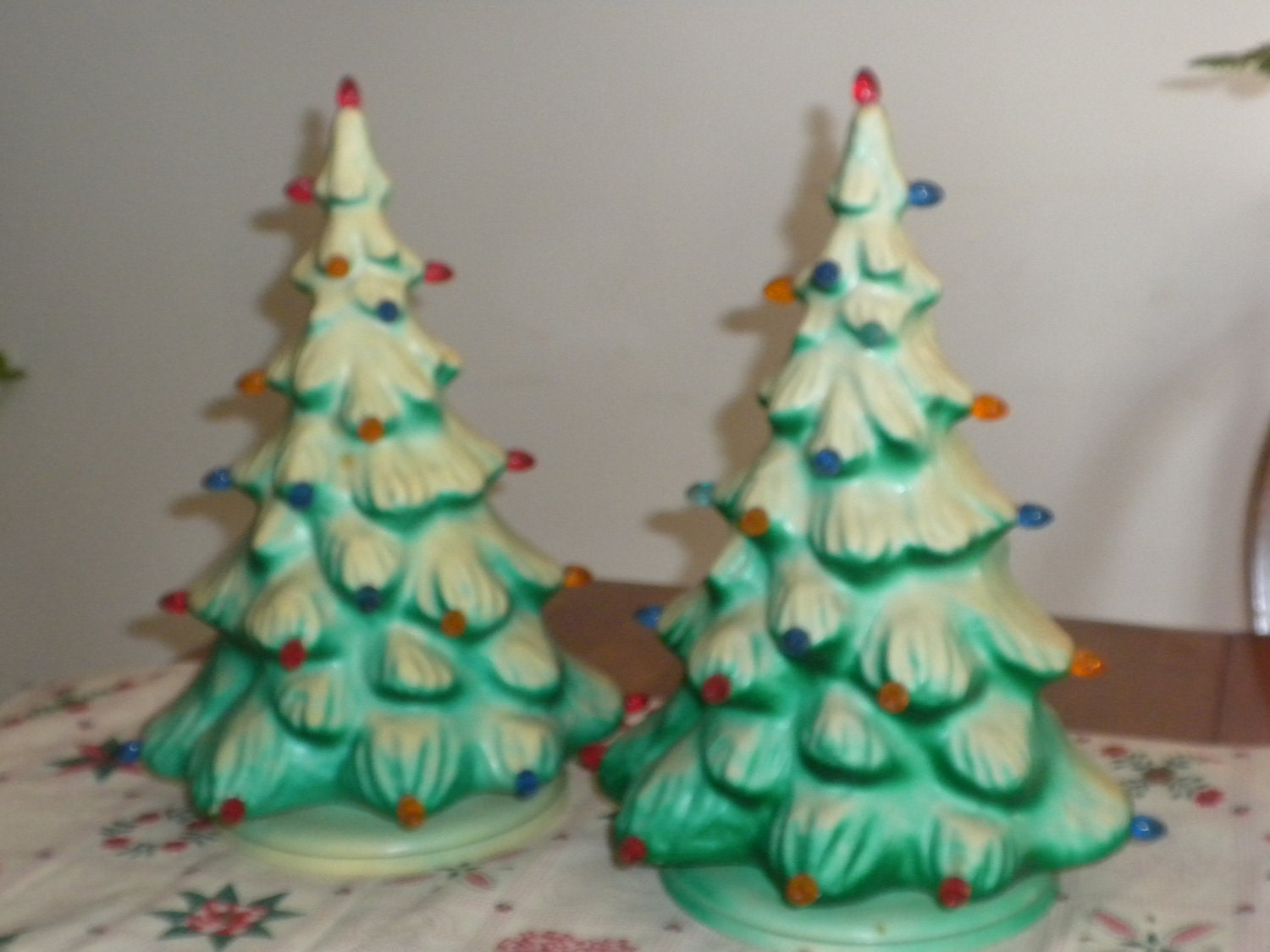 vintage christmas trees 2 blow mold christmas trees. Black Bedroom Furniture Sets. Home Design Ideas