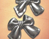 NEW... Fancy silver ribbon bow tie stamping - Small (4)