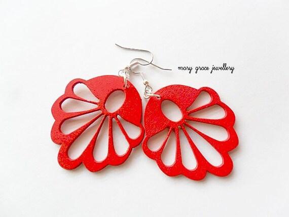 Red Wooden Fan Earrings, Shell, Surgical Steel