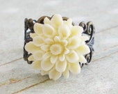 Ivory Chrysanthemum Ring