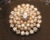 Lovely Vintage Rhinestone and Pearl Brooch