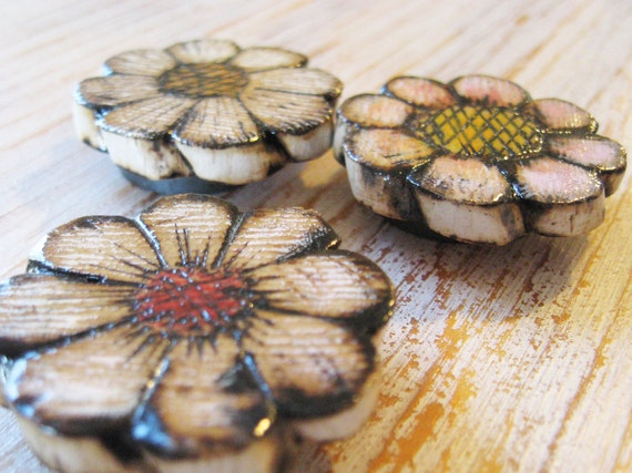 Magnet Wood Set of 3 Rustic Flowers Strong Magnet Natural White Orange Pink Yellow