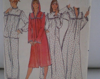 Butterick 5659 Pajamas Nightgown And Robe size 8