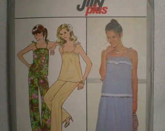Simplicity 8474 Jiffy Plus Pullover tops,skirt and pants size 6  and 8 circa 1978