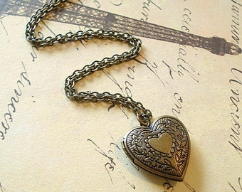 Brass Heart Locket Mom Necklace Pendant Vintage Heart Locket Brass locket Antiqued Brass Chain Jewelry Girlfriend Locket