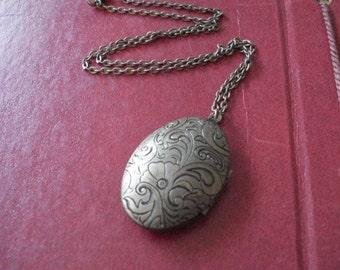 Brass Locket Necklace Vintage Locket  Double Sided Oval Locket Necklace Engraved Jewelry Flower Locket Romantic