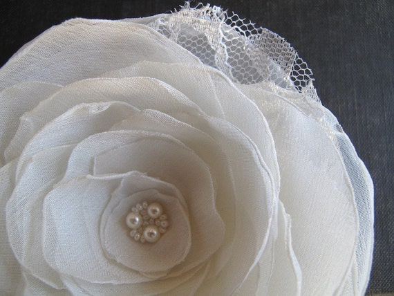 White, ivory or cream lace blossom - brooch pin, hair clip or hair pin