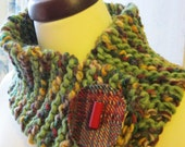 Scarflet in green/multi with tartan button: FREE SHIPPING WORLDWIDE