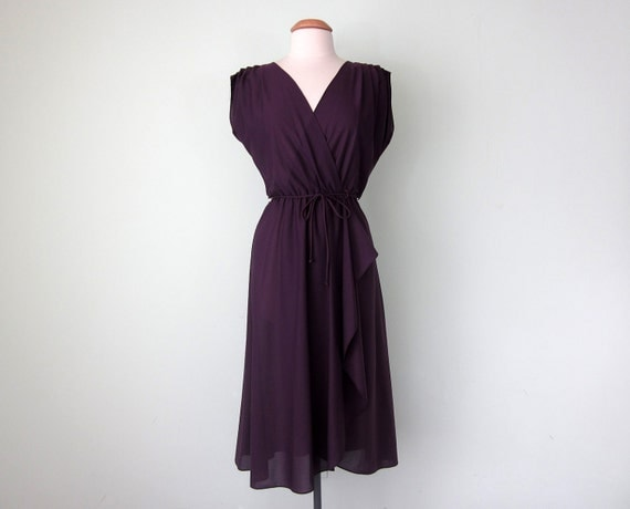 70s plum wrap dress (m - l)