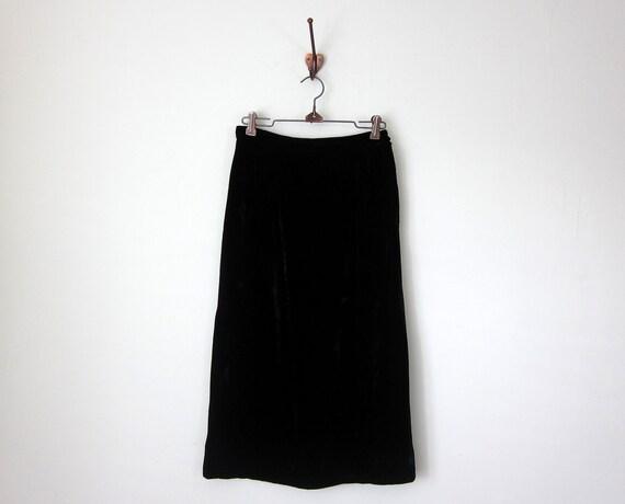 60s skirt / black velvet pencil high waist fitted wiggle skirt (xs - s)