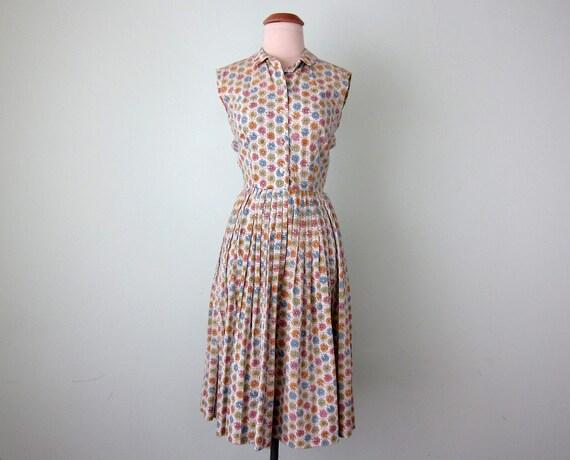 60s dress / floral novelty print cotton sundress (xs -s)