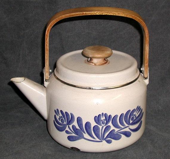 Pfaltzgraff Tea Kettle Yorktown Yorktowne Enamel Teapot
