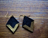 Beaded-V Diamond Earrings in Black