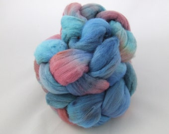 CORAL REEF - 4 oz Hand-Painted Merino Combed Top - Shipping Incl