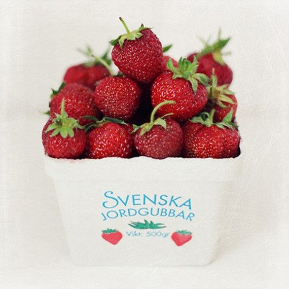 Swedish Strawberries (8x8)