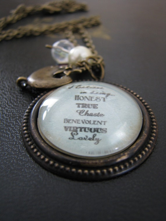 2011 Young Women Theme Necklace (vintage style)