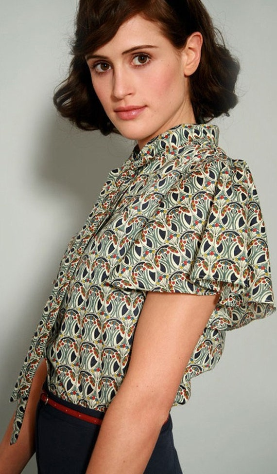 Lula's Flapper blouse-Ready to post (Only size Small in navy-Final one)