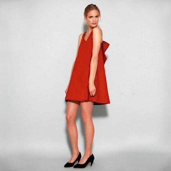 Sunshine's red bow dress