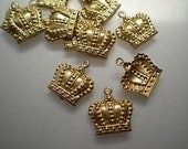12 small crown charms