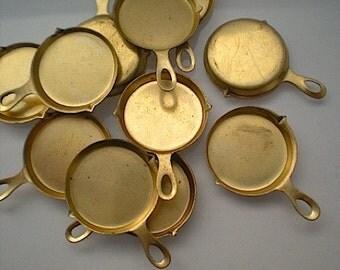12 frying pan charms