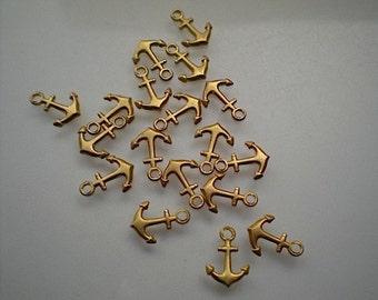 18 tiny anchor charms