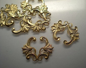 6 brass floral charms